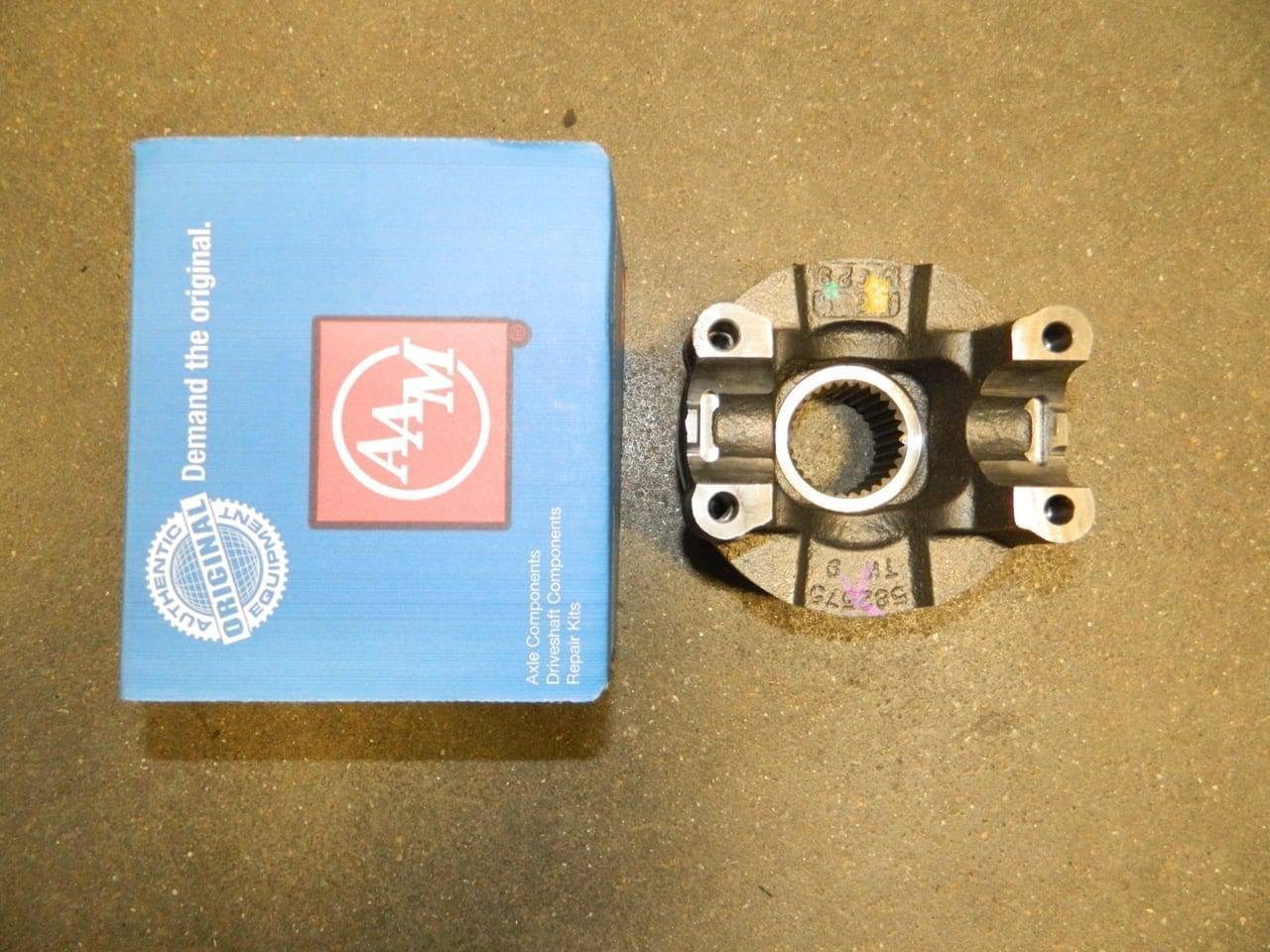 AAM 1480/1485 Differential Pinion Yoke W/O Balancer Chevy GM 14 Bolt 10.5/11.5 Rear 2010+