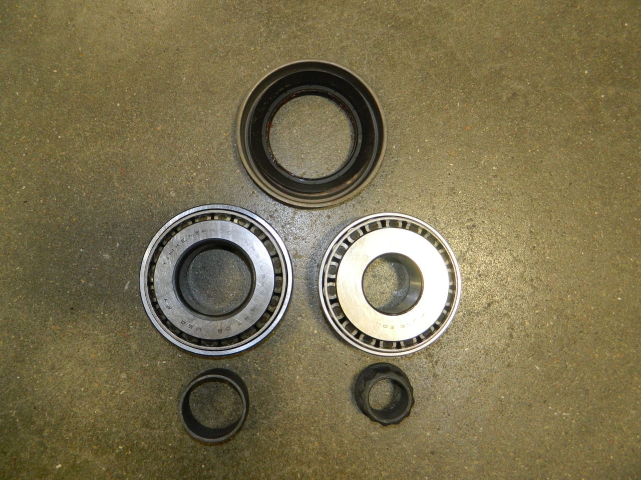 2014+ Dodge Ram 2500 Special Pinion Bearing Kit Used to Convert Earlier Ring & Pinion
