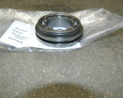 GM 9.25IFS Differential Adjuster 4X4 Front Axle Chevy 2500 3500 9.25