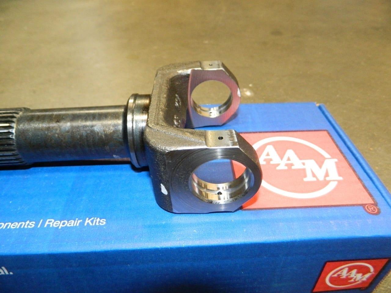 Chevy GM 4X4 Front Driveshaft Slip Yoke Shaft 246 263 3R 1344 Transfer Case Male