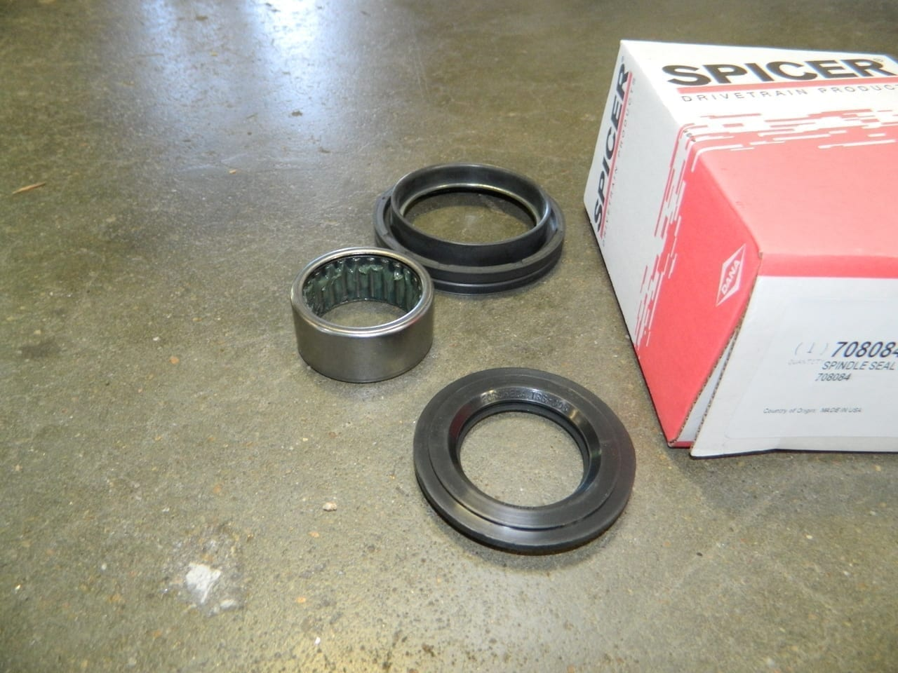 1992-1997 Ford F350 Dana 60 Spindle Bearing Seal Kit 4X4 Front Axle