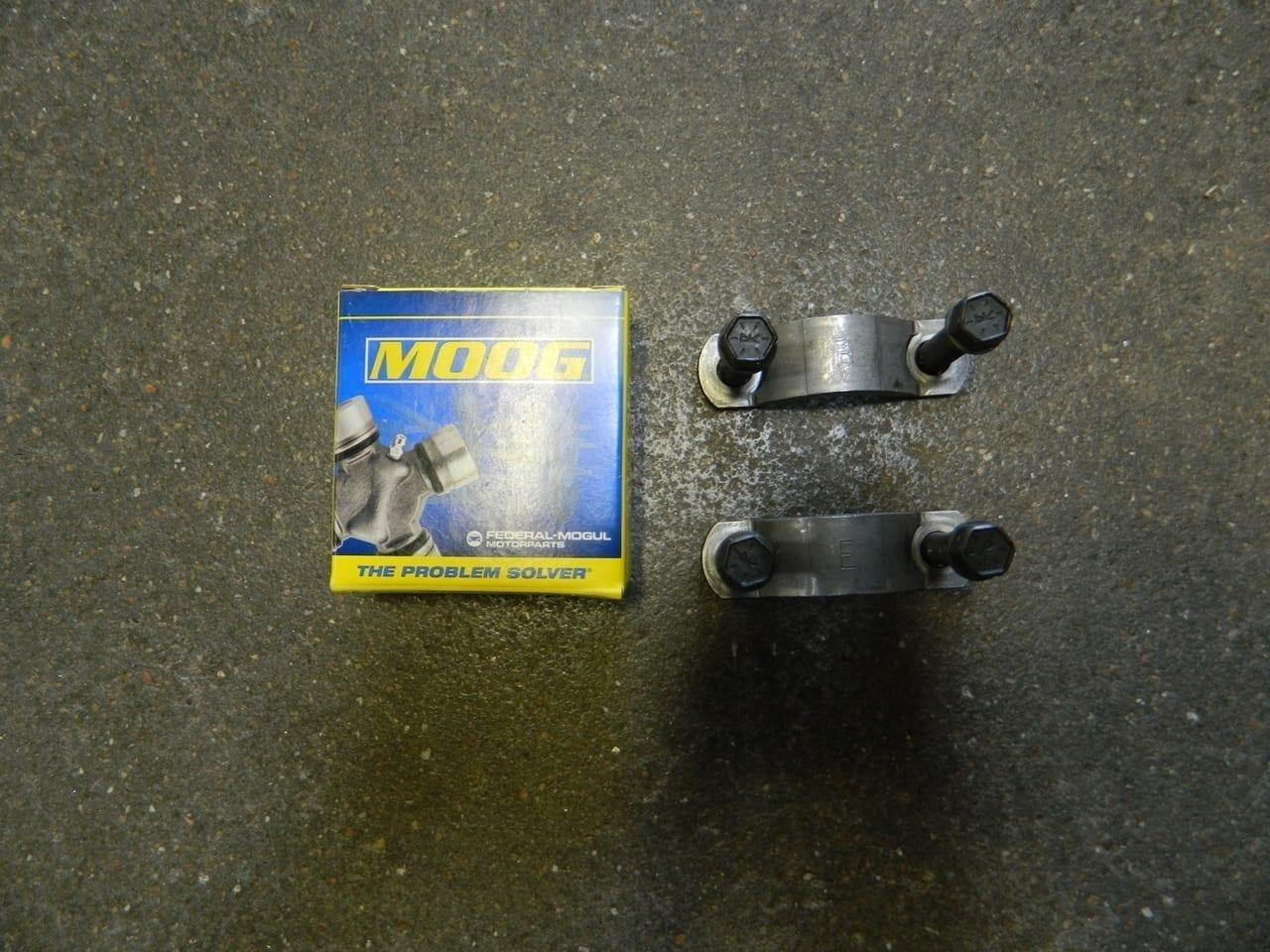 Chevy GM 1480 1485 Pinion Yoke Bolt & Strap Kit 10.5 11.5 14 Bolt Rear Axle Universal Joint