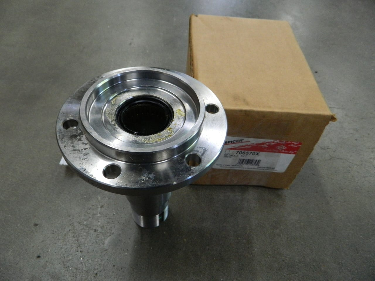 1977-1991 GM Chevy Dana 44 4X4 Axle Front Spindle Corporate 10 Bolt Blazer Suburban K10 K20