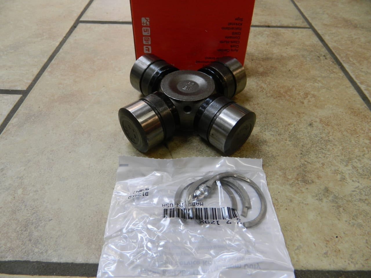 Chevy GM Dodge U-Joint Dana 50 60 Spicer SPL55-4X Greasable 1480 Universal Joint Front Axle Ford