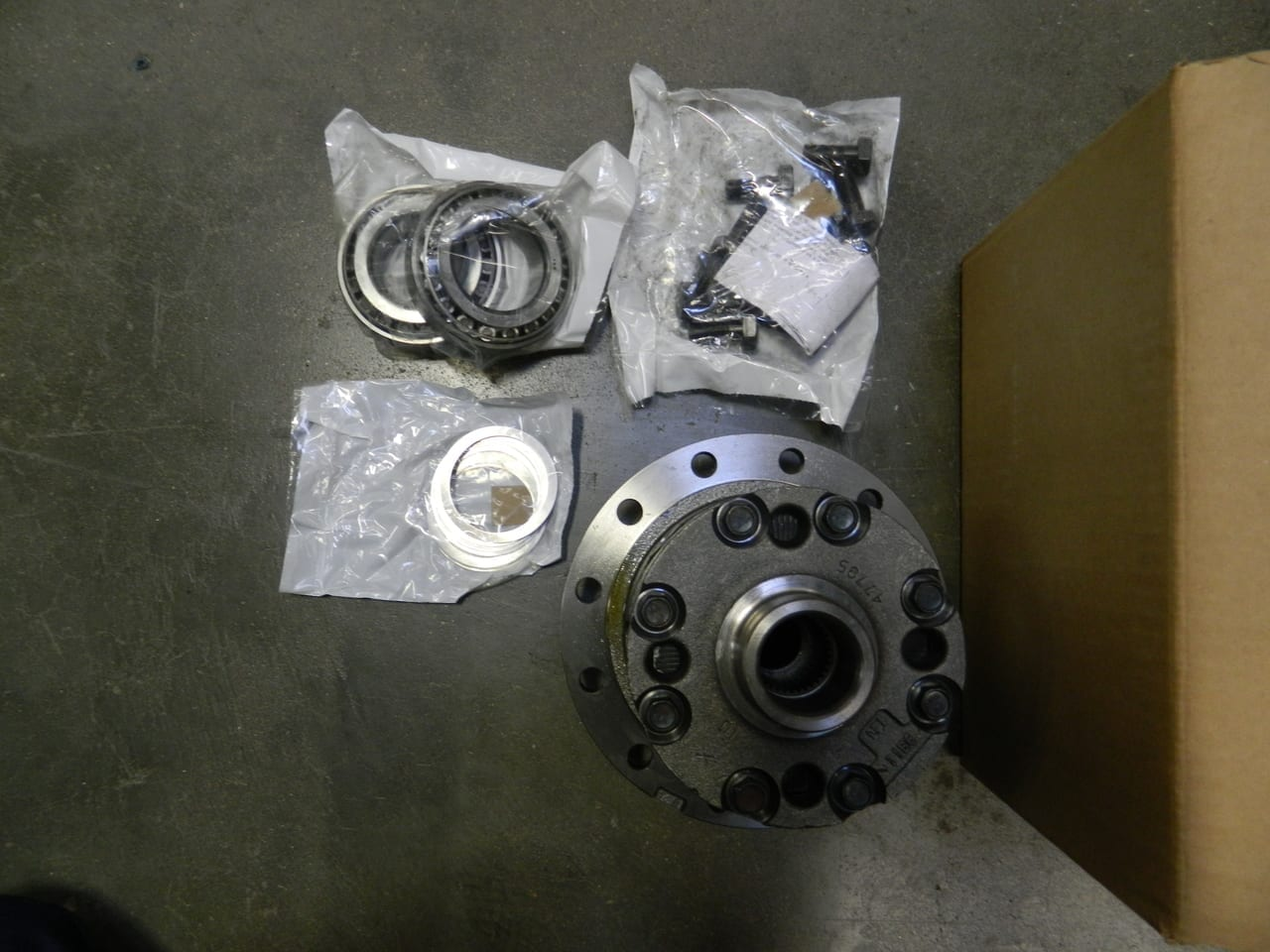 2011842 Dana 80 Rear Differential Trac Lok Posi 35 Spline 3.73 & Down 708054 Dodge Ford
