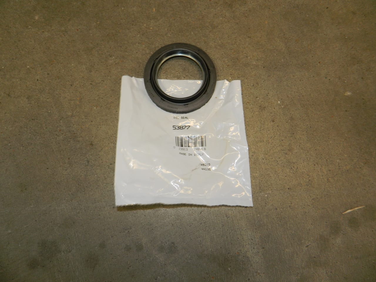 Ford Straight 4X4 Front Axle Tube Dust Seal 2006+ Dana 50 & 60 F250 F350