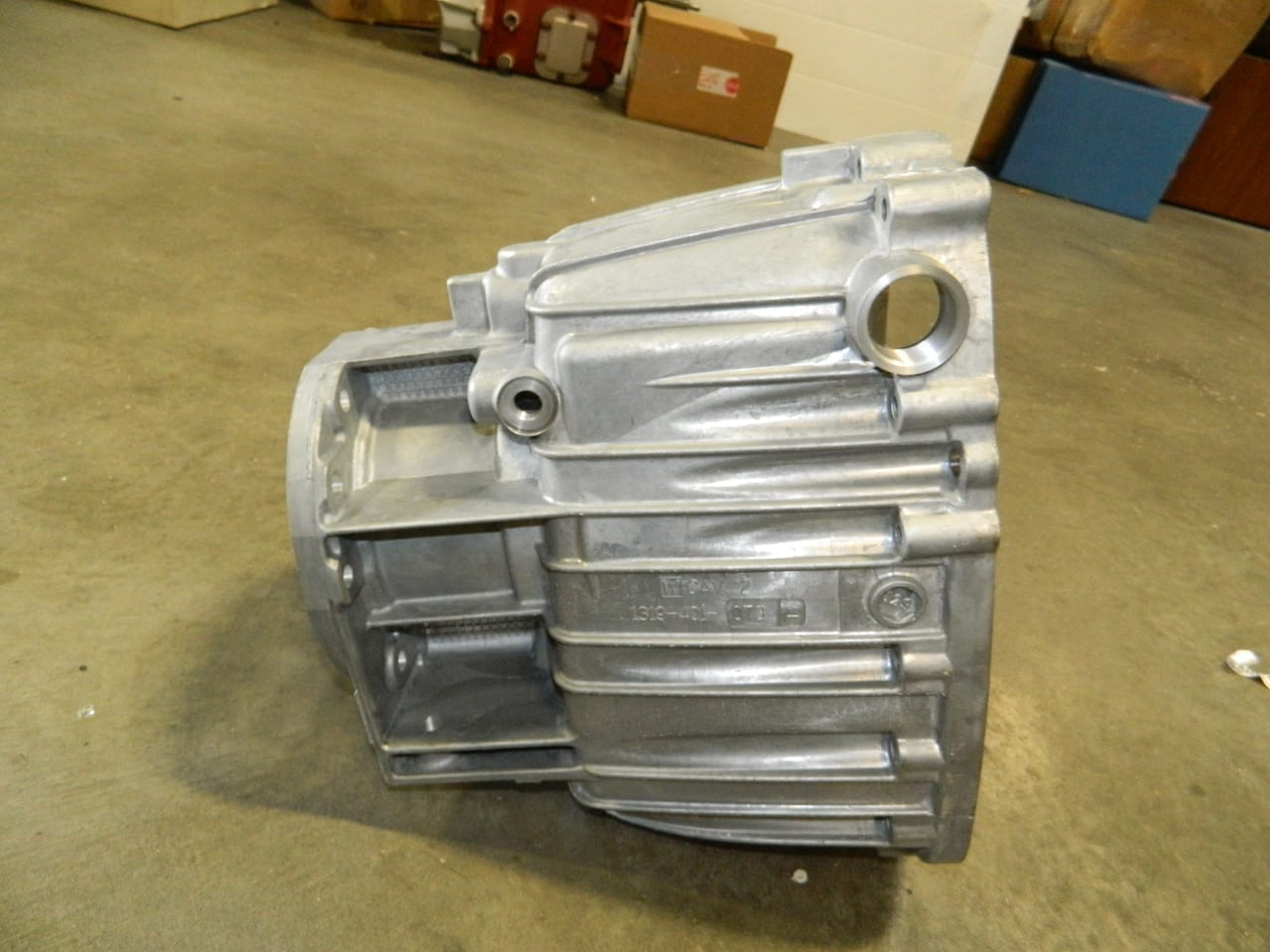 Ford ZF 6 Speed Transmission 4X4 Tailhousing ZF650 7 3 S6-650