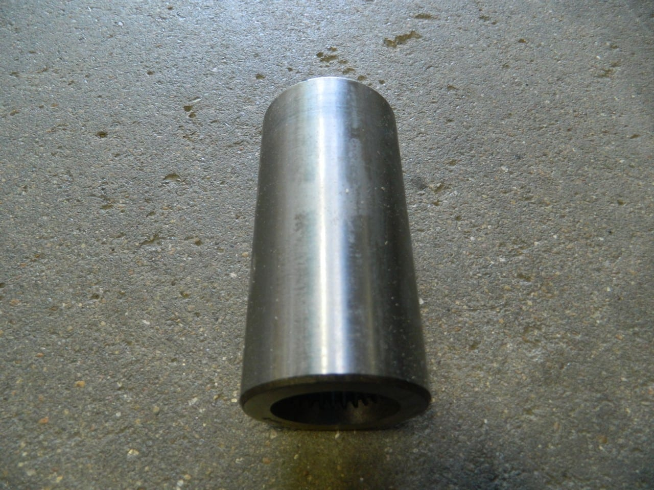 27 spline female coupler used between GM 205 transfer case and TH350 or 700R4 automatic