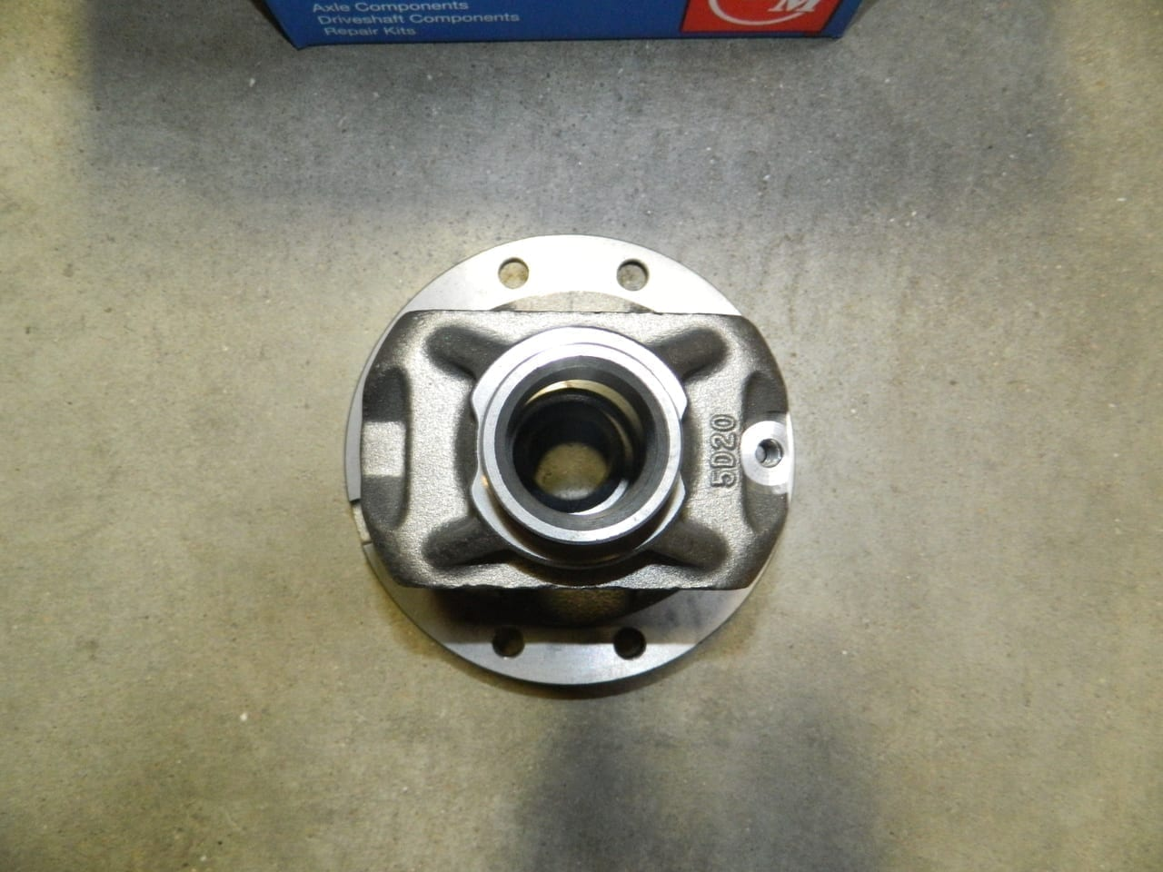 OPEN DIFFERENTIAL BARE CASE CARRIER 31 SPLINE 87 AND UP FORD 8.8 inch F150 OEM