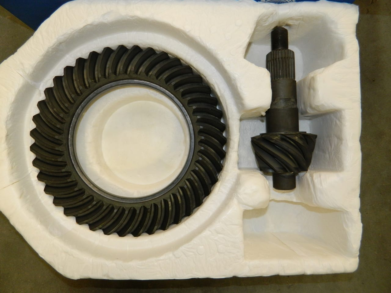 GM 14 Bolt 10.5 Ring & Pinion Gear Set 4:56 AAM OEM Chevy GM14T-456