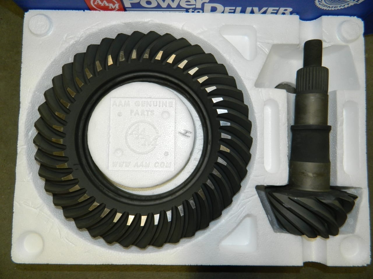 Genuine AAM Ford 8.8 4:10 Gear Set Ring & Pinion Mustang F150 Crown Victoria Explorer