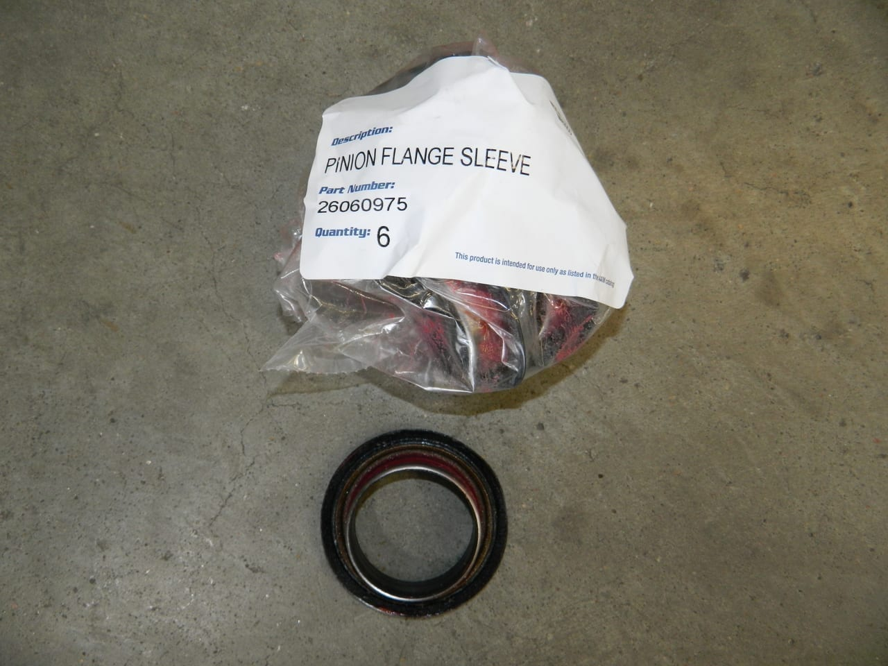 GM 8.6 Pinion Yoke Sleeve Seal 1999+ Chevrolet 10 Bolt 1/2 Ton 3/4 GM9.5 14 Bolt Trucks & SUVs